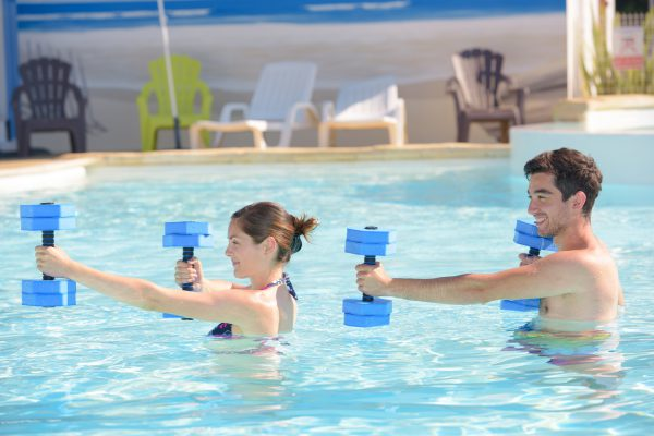 couple doing aquagym